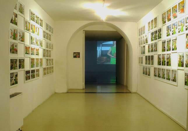 Alba D'Urbano, Tina Bara, Opere d'arte 36, 2007, exhibition view