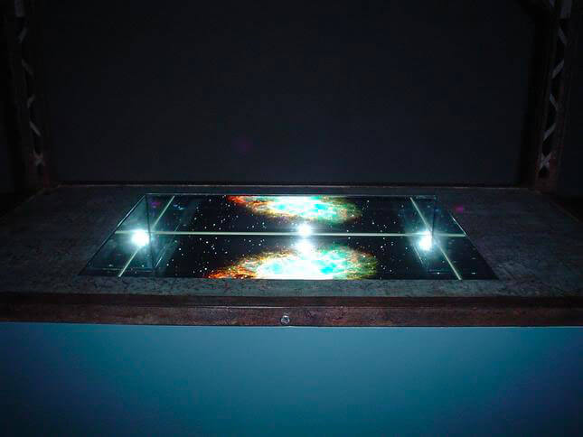 Alfredo Jaar, Le ceneri di Gramsci, 2005, exhibition view