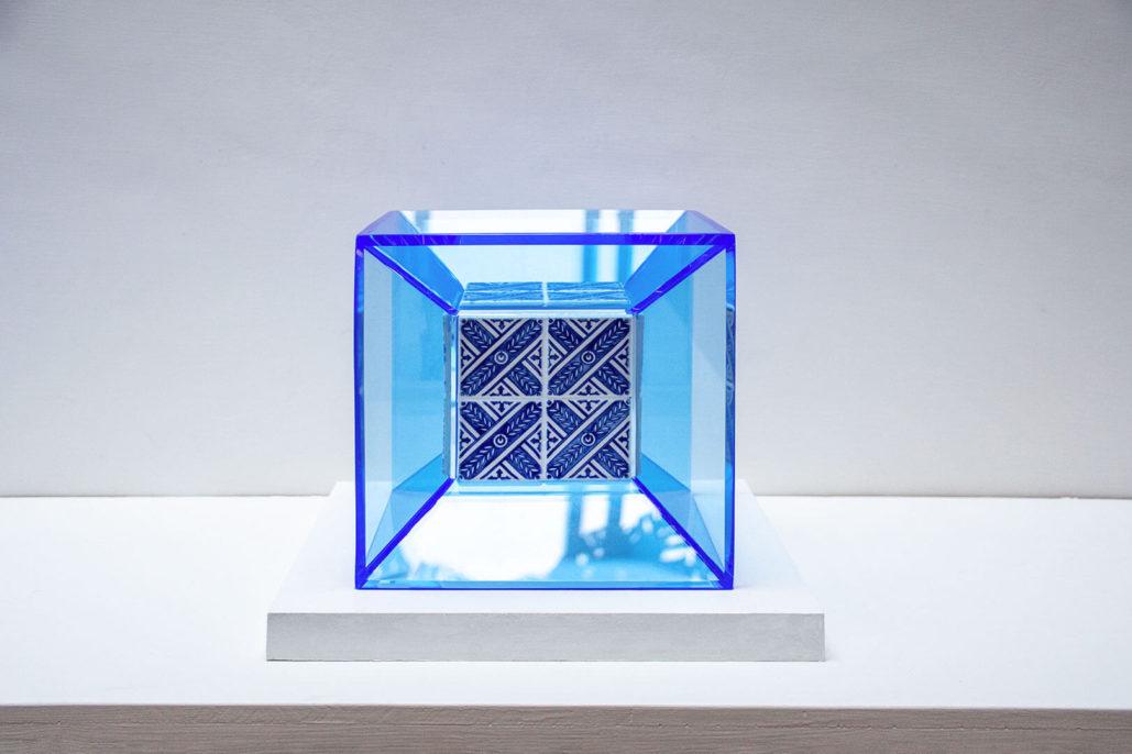 Ignasi Monreal, Cube, 2019, porcelain and plexiglass