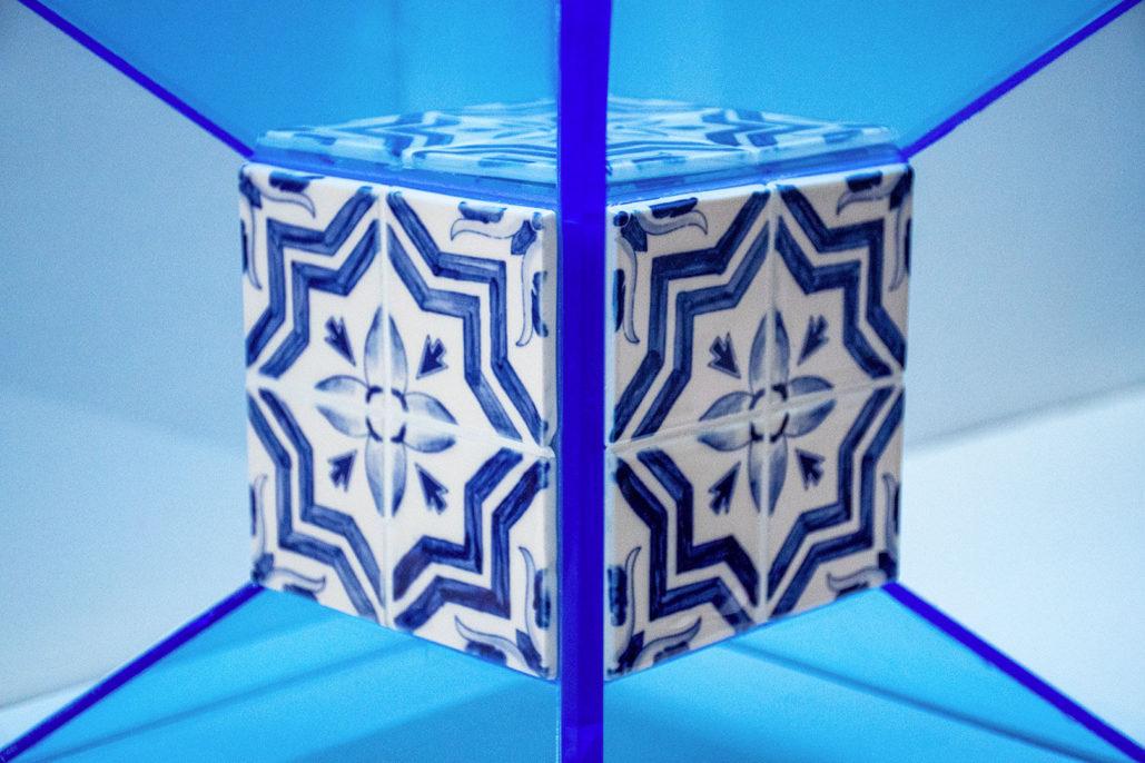 Ignasi Monreal, Cube, 2019, porcelain and plexiglass, detail