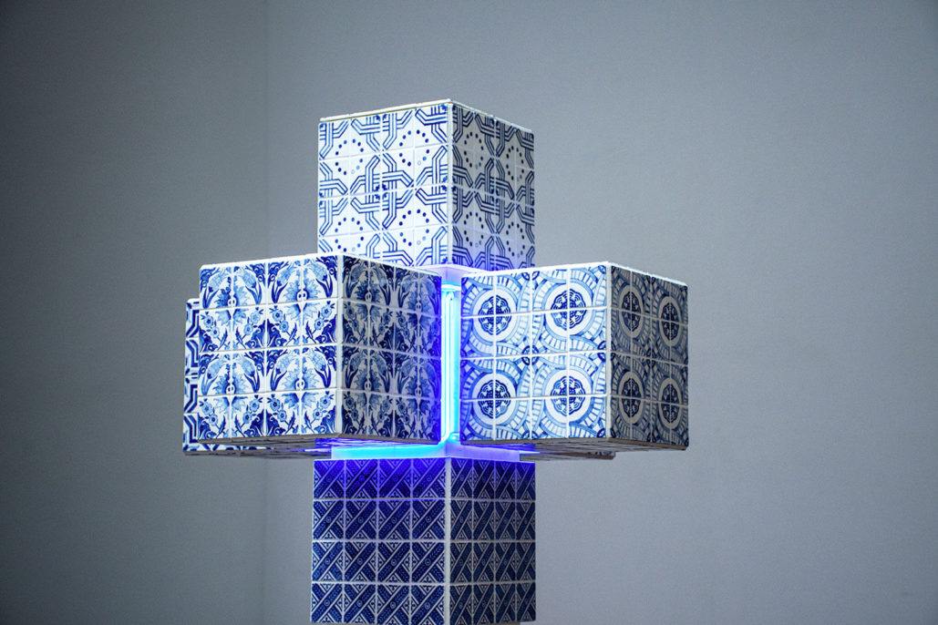Ignasi Monreal, Hypercube, 2019, porcelain, wood, stone, detail