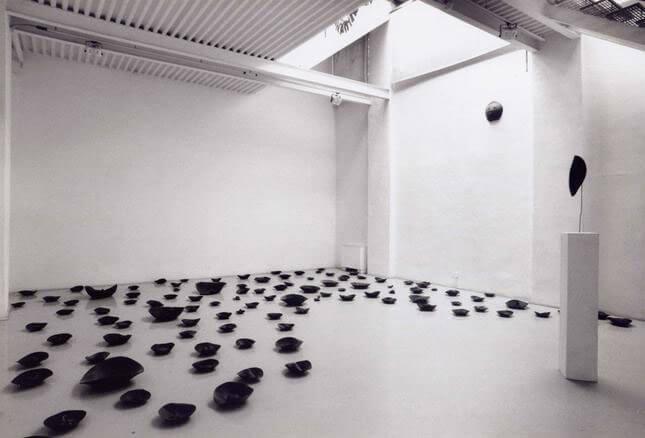 Paolo Canevari, Voto, 1994, exhibition view