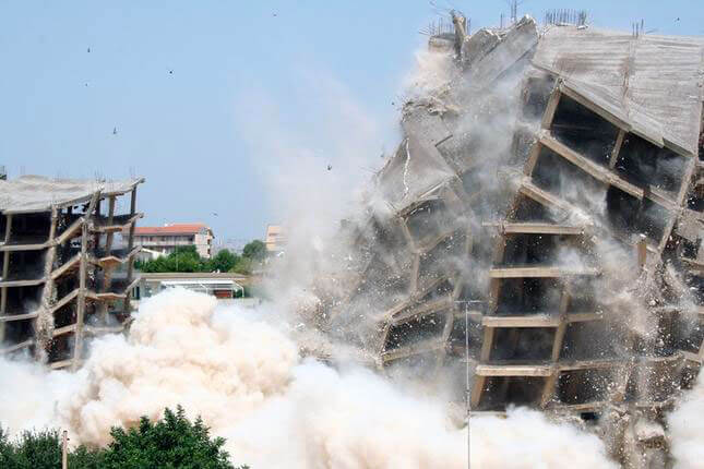 Loredana Longo, Demolition #1 Squatter, 2011, still video