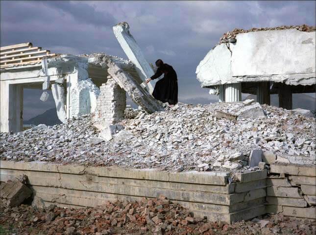 Lida Abdul, White House, 2005, still video, courtesy Giorgio Persano