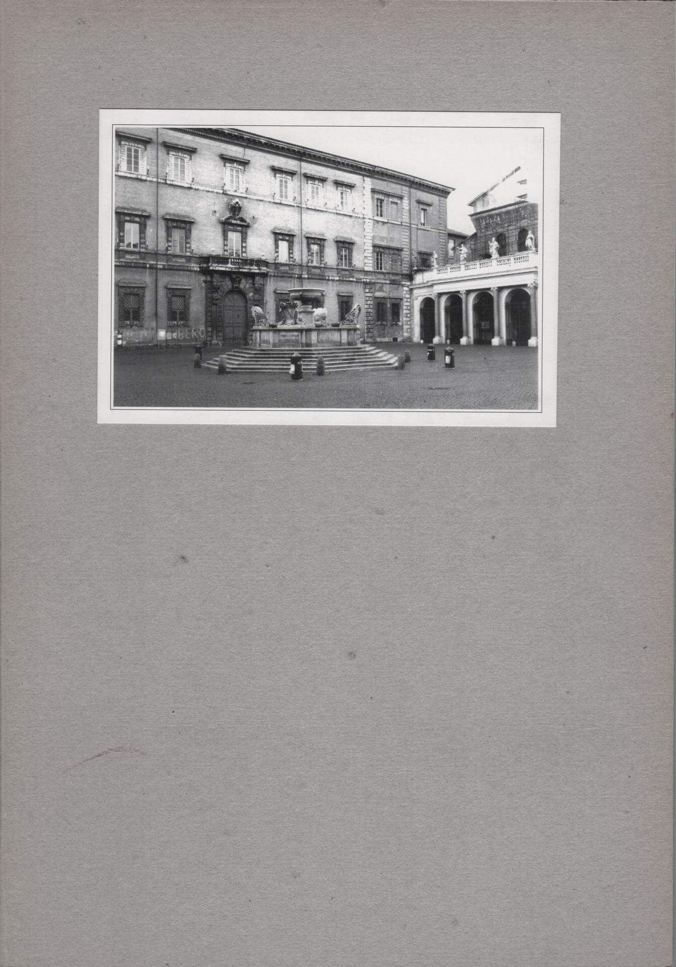 Studio Stefania Miscetti | Catalogues | Yoko Ono | Projected artists - Obiettivo: Roma III/V | Venetian Man